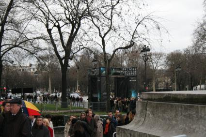 [Photo] File d'attente devant le grand palais