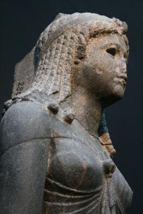 [Photo] Reine vêtue en Isis (3)
