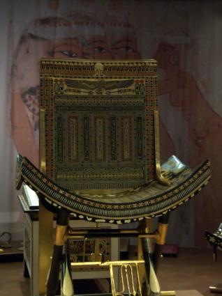 [Photo] Trône de couronnement de Toutankhamon