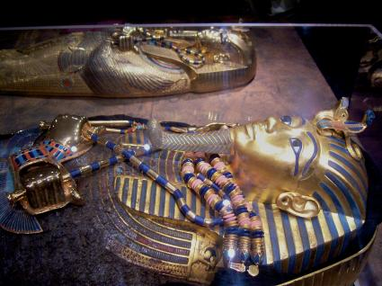 [Photo] Sarcophage en or