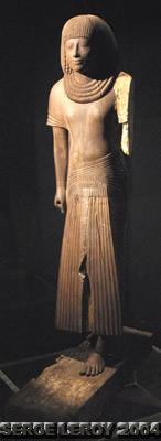 [Photo] Statue debout en bois