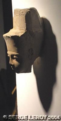 [Photo] Statue de Toutankhamon sous la forme du dieu Amon