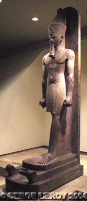 [Photo] Statue d'Aménophis III sur un traîneau